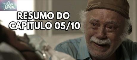 Seu Abel (Tonico Pereira) visita seu filho Zeca (Marco Pigossi) à beira da morte
