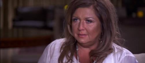 Abby Lee Miller Goes to Prison | The Final Minutes - KidsUniverseHD/YouTube Screenshot