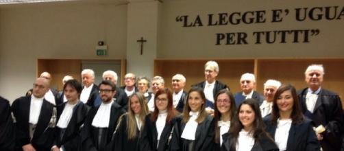 """Premiati gli avvocati """"di lungo corso"""" - gazzettadalba.it"""