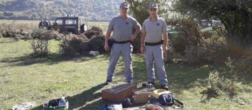 Sequestro gabbie da parte dei carabinieri forestali.