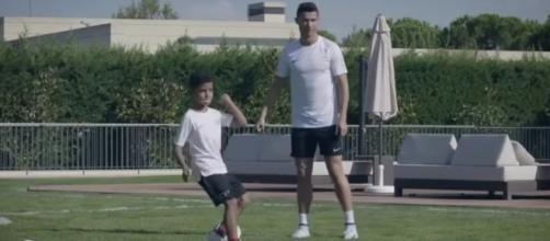 VIDEO : Quand Ronaldo entraîne son fils !