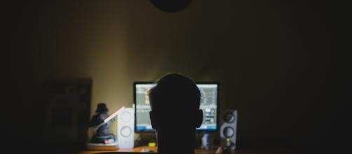 Working at night linked to increased risk of obesity. (Image Credit: Tookapi/ Pixabay)