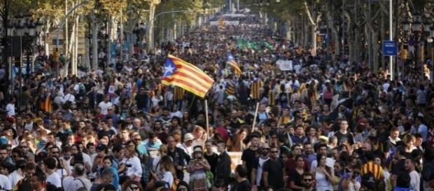 La Catalogne se dresse contre l'Espagne