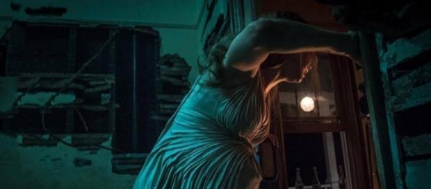 Madre!: Jennifer Lawrence in una scena del film di Darren Aronofsky