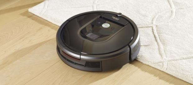 The Roomba 980 has a camera. [Image via iRobot]