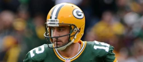 Aaron Rodgers heads to Dallas hoping to take advantage of a struggling Cowboys pass defense. Image Source: Wikimedia Commons