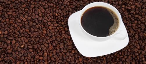 Cafeína oferece benefícios, mas seus perigos podem estar ocultos em diversos produtos