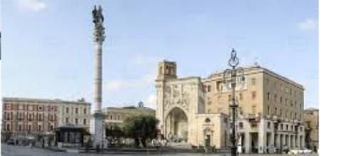 La stupenda piazza Sant'Oronzo a Lecce