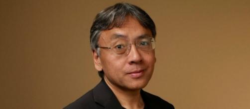 Le Britannique Kazuo Ishiguro reçoit le Nobel de littérature - bfmtv.com