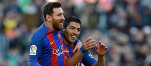Lionel Messi e Suarez aguardam por reforços