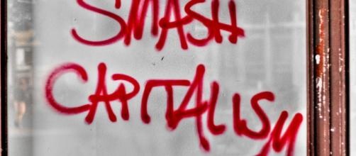 Vandalism and stupidity. Smash before replacing with anything? (Commonswikimedia.org)