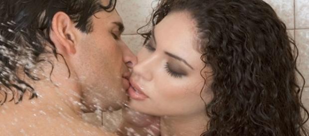Algumas coisas que você precisa saber sobre a intimidade no banho