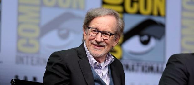Ateven Speilberg delays movie release - Image - Gage Skidmore from Peoria, (Steven Spielberg) [CC BY-SA 2.0 | Wikimedia Commons