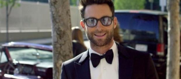 Maroon 5 - Sugar - [Billion Club / YouTube screencap]