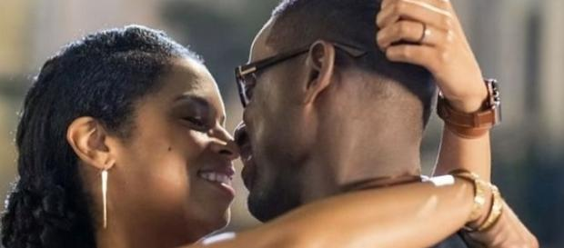 """Randall and Beth Pearson on """"This Is Us"""" [Image: The Promotional Photos Place/YouTube screenshot]"""