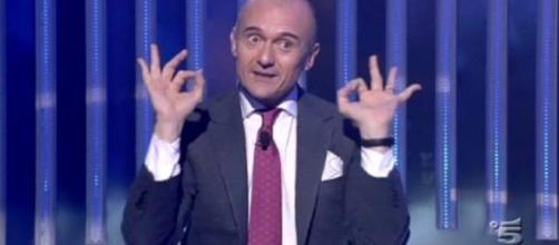 """Alfonso Signorini contro tutti: """"Vip noiosi, fortuna c'è Belen"""" - today.it"""