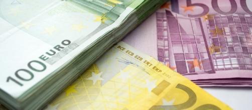 Dinero, Euro, 100 Eur, 200 Eur, 500 Euros, Paquete por jojooff/Pixabay