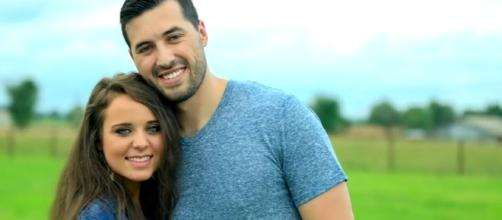 Jinger Duggar and Jeremy Vuolo are celebrating their first wedding anniversary in a month. [Image Credit: TLC/YouTube]