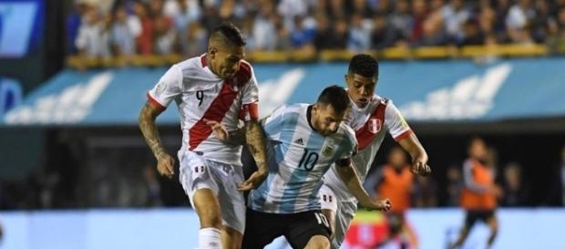 Argentina no pudo contra Perú en su último partido como local. Foto: Conmebol.