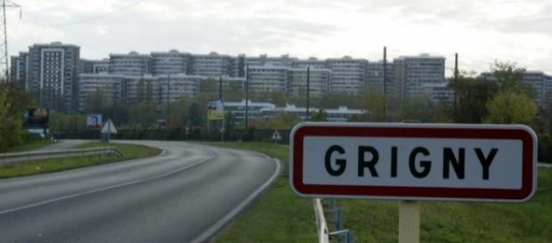 La violence diminue-t-elle dans le quartier de La Grande Borne à Grigny ?