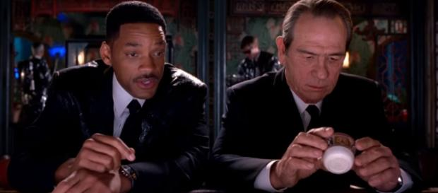 'Men In Black 3' official trailer (via YouTube - Sony Pictures Entertainment)