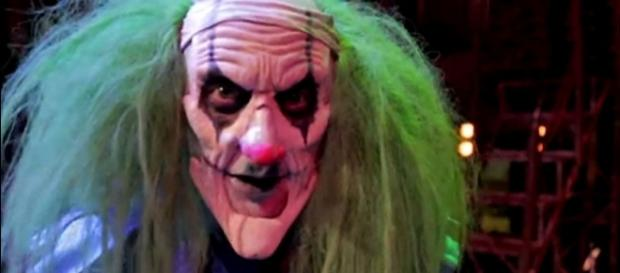 Rellik the Psycho Clown could lose his job with the Circus of Horrors for being too scary [Image via YouTube/KCOM Culture screencap]