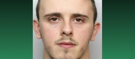 Liam Deane foi condenado à prisão perpétua por ter espancado e matado a filha recém-nascida (Crédito: Twitter/Celestreet)