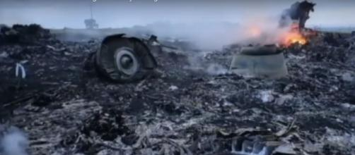 4 worst airplane disasters in the world. [Image Credit:ABC News/YouTube]