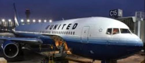 Exterior of a United Airlines plane. [Image Credit: The Common Sense Show/YouTube]