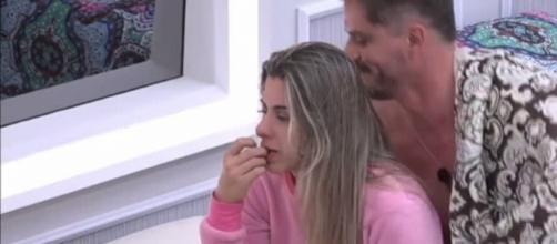 Marcos e Ana Paula estão cada vez mais próximos