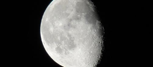 Moon had an atmosphere 3 to 4 billion years ago [Image via Flickr/craig curtner]