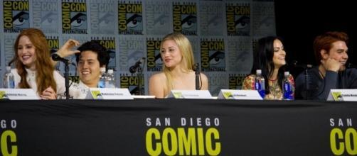Riverdale cast at comic con. [Image via Vaugeonthehow - Flickr]