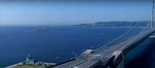 Top five longest bridges in the world [Image via MGS Channel/YouTube screencap]