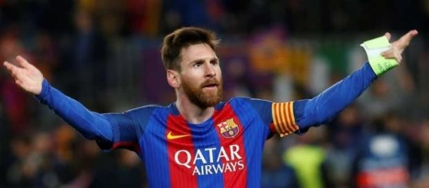 Lionel Messi's celebration after Sergi Roberto's winner v PSG is ... - givemesport.com