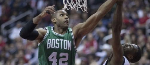Al Horford with the block [Image via Keith Allison/Flickr]