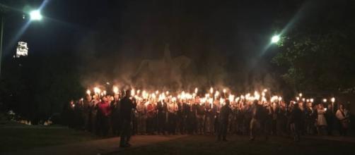 Charlottesville: Los supremacistas blancos sacan las antorchas en ... - elpais.com