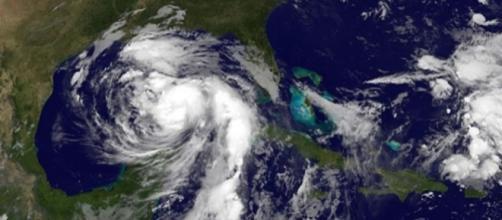 O furacão Nate já deixou 25 mortos na América Central e segue em direção aos EUA. (Fonte: Nasa/NOAA Goes Project)