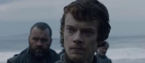 'Game of Thrones' season 8: Theon Greyjoy might sacrifice himself to save Yara. [Image Credit: HBO/YouTube]