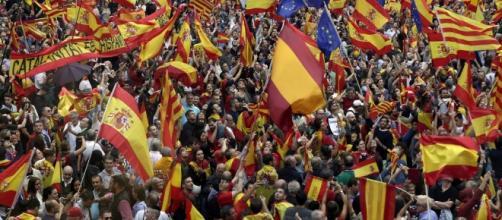 """marcha por la """"unidad de España"""" en Barcelona, en imágenes - diariodesevilla.es"""