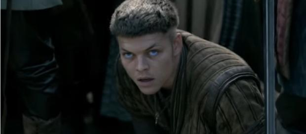 Alex Høgh Andersen practices with knives, begins work for 'Vikings' Season 6 / History/YouTube