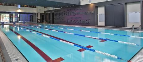 Morte in piscina per un giovane a Catania