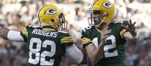 Aaron Rodgers led the Green Bay Packers to a 35-31 comeback win over Dallas on Sunday. [Image via CBS Sports/YouTube]