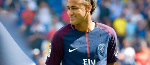 Foot PSG - PSG : Neymar est trop riche pour s'intéresser à l ... - foot01.com