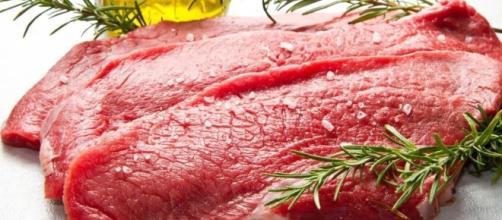 La carne rossa fa male si o no?