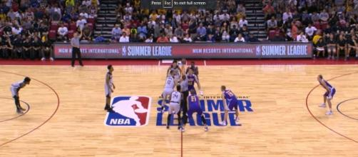 the Los Angeles Lakers wins against the Sacramento Kings. [Image Credit: ohyea2421/Youtube]