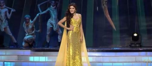 Miss Earth 2016 in her evening gown walk; (Image Credit: Miss Earth / YouTube)
