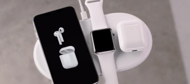 iPhone X Apple (Apple/YouTube)