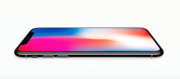 Handset industry following iPhone X's 3D sensing technology, iPhone leaked video - image - YouTube/Android Police Channel