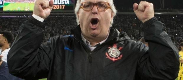 Presidente do Corinthians não cumpre o prometido e irrita patrocinador