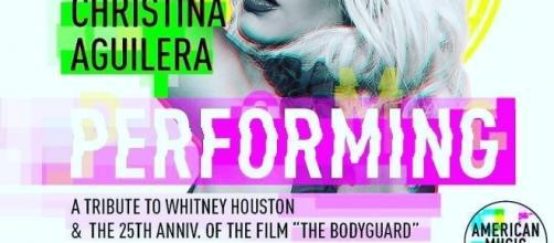 Christina Aguilera rinde tributo a Whitney Houston en los American Music Award